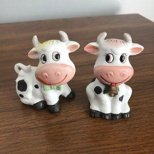 Vintage Cow Couple